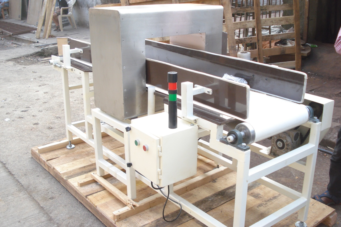 metal-detector-conveyor-system